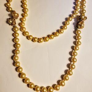 Vintage faux pearl necklace 2 piece